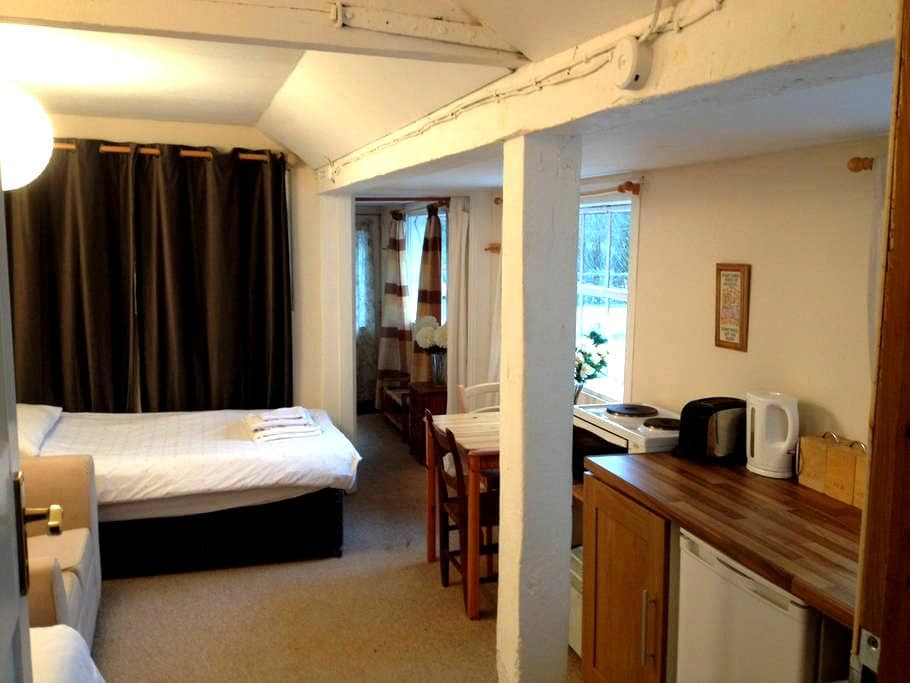 The Stables - Cosy self contained apartment - Rickmansworth - Apartmen
