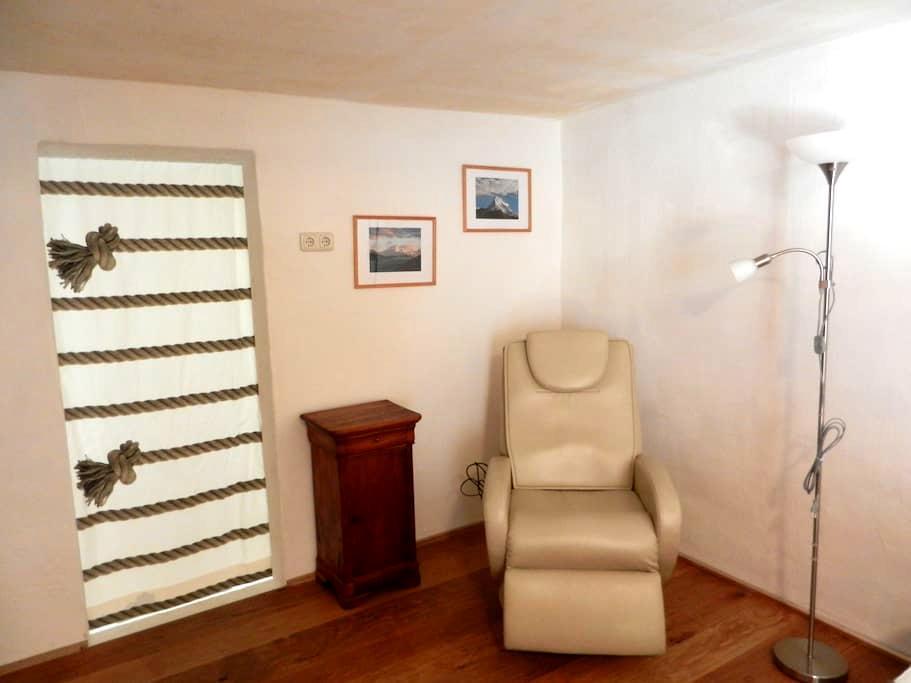 Gästezimmer in altem Fachwerkhaus - Thüngersheim