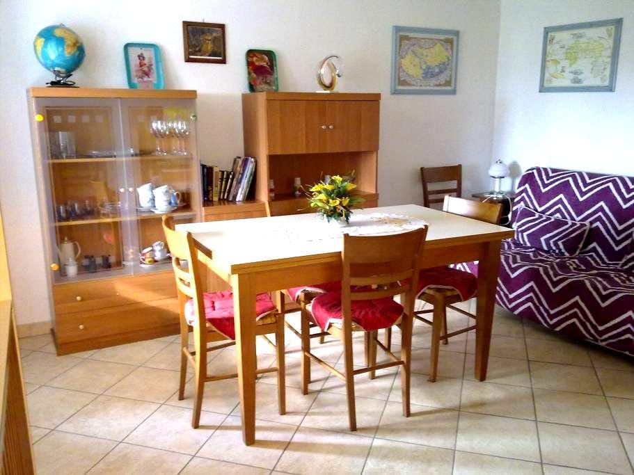 Apartment in Tuscany countryside - Lecchi - Apartamento