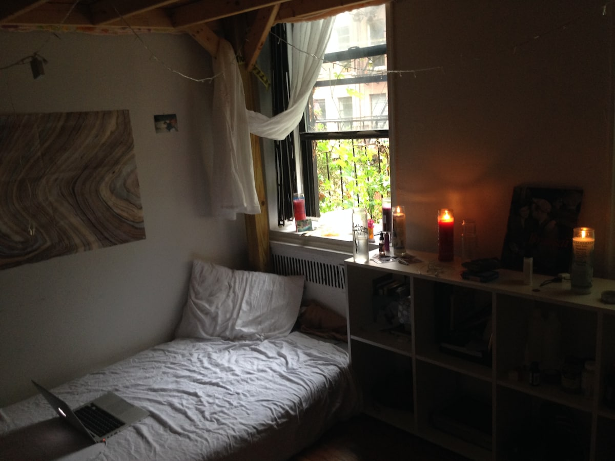 Comfortable bed in the heart of NYC