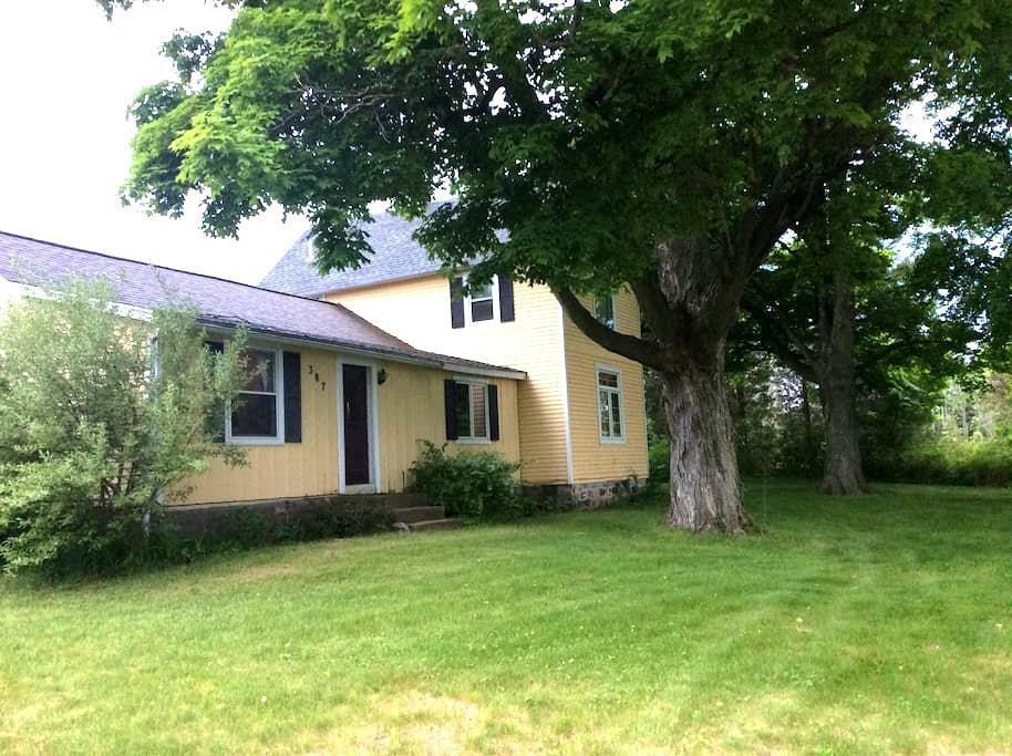 R&R Farmhouse - Douglas