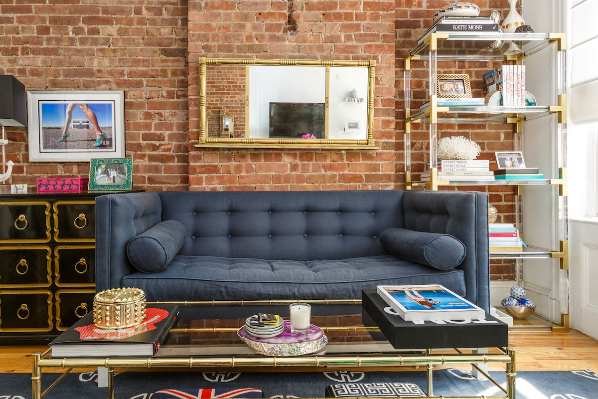 DESIGNER APT ON HISTORIC GAY STREET