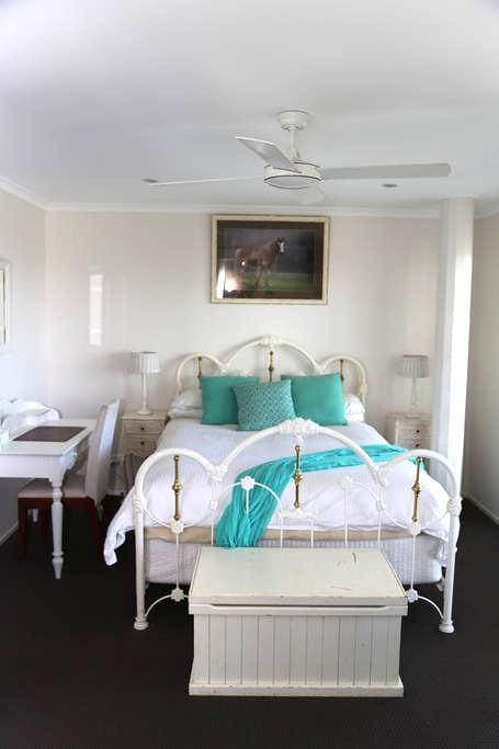 Holiday/Short term Rental Suite - Tweed Heads South
