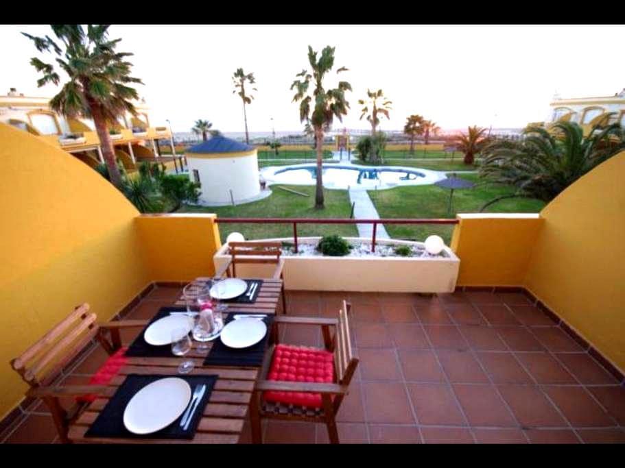 BEACH FRONT ÁTICO WIFI - Tarifa - Apartamento