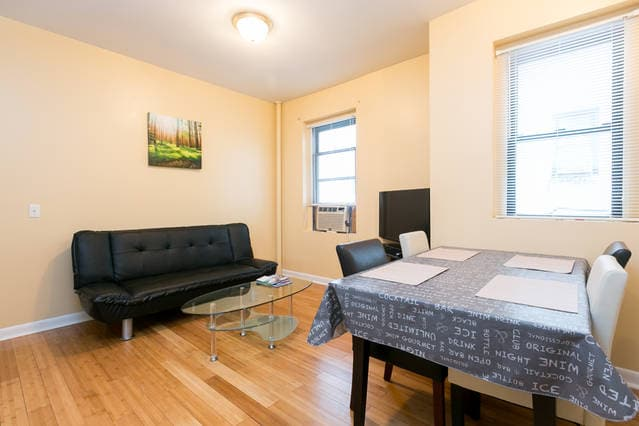 Amazing 1 Bed. 10 min to Manhattan!