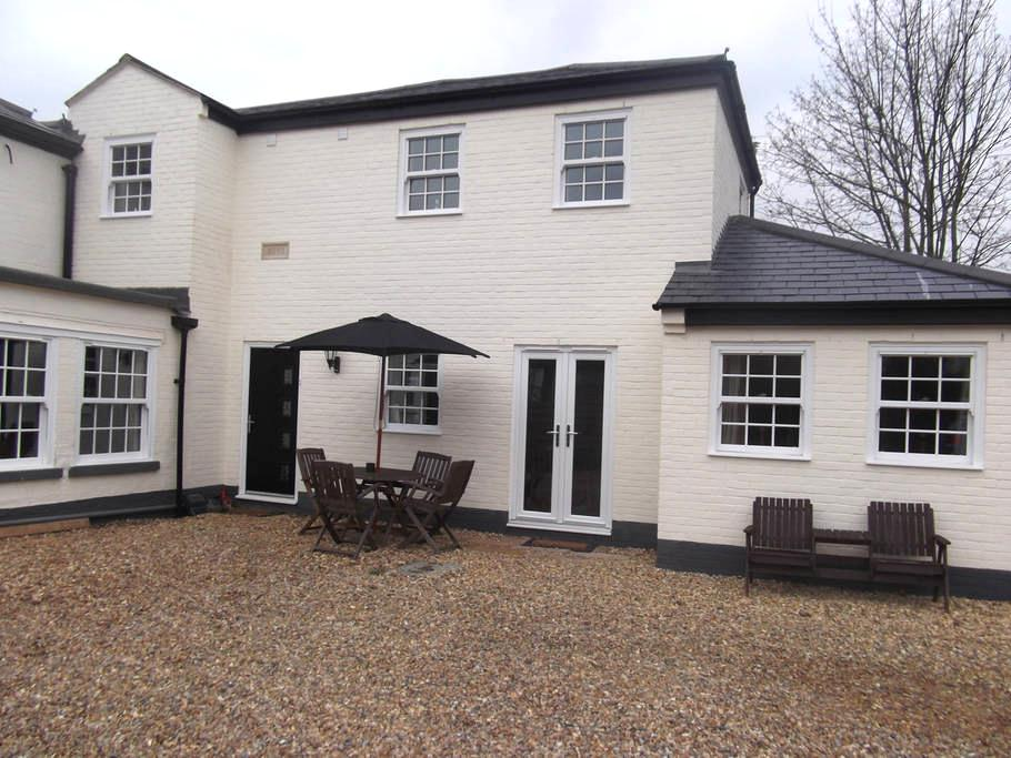 Courtyard Cottage - St Neots - House