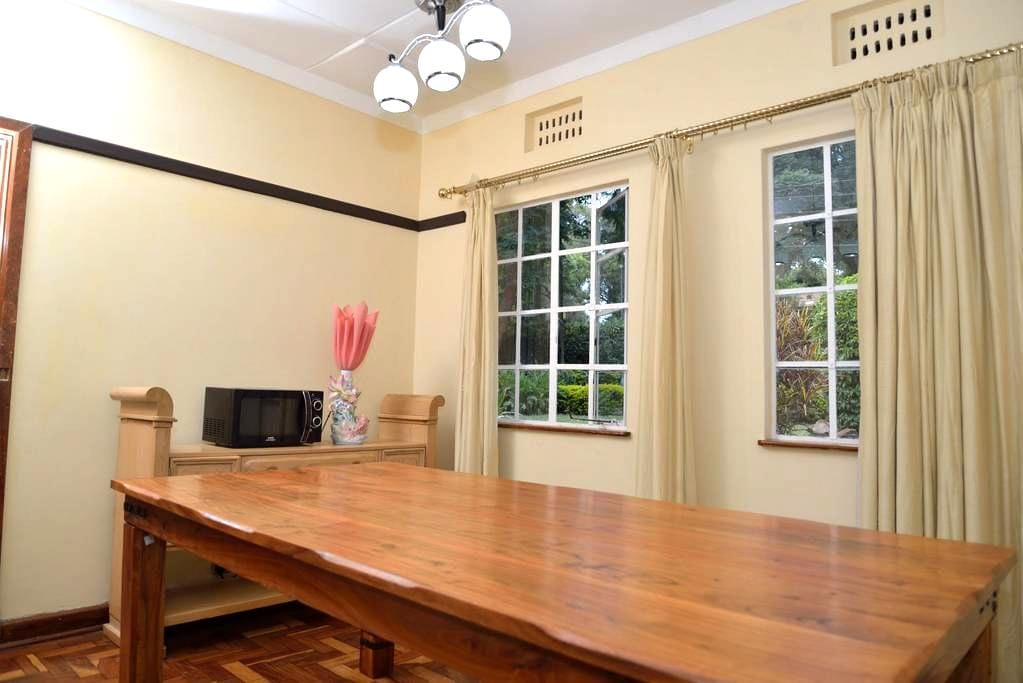 3 bedroomed house with own compound - Nairobi - Casa