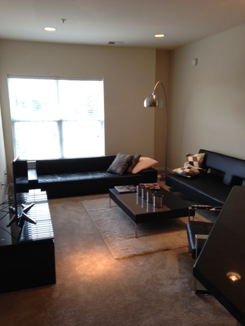 Modern 2/2 Apt 45 mins from NYC!