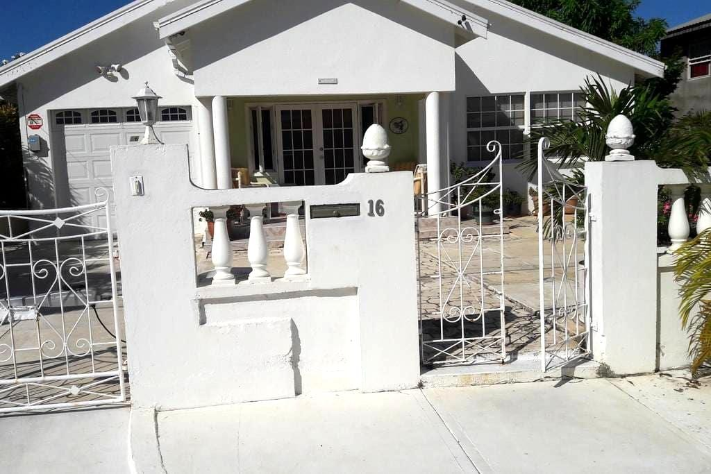 Applehall, St Philip - Bridgetown