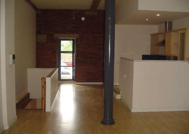 Large Room In City Centre Apartment