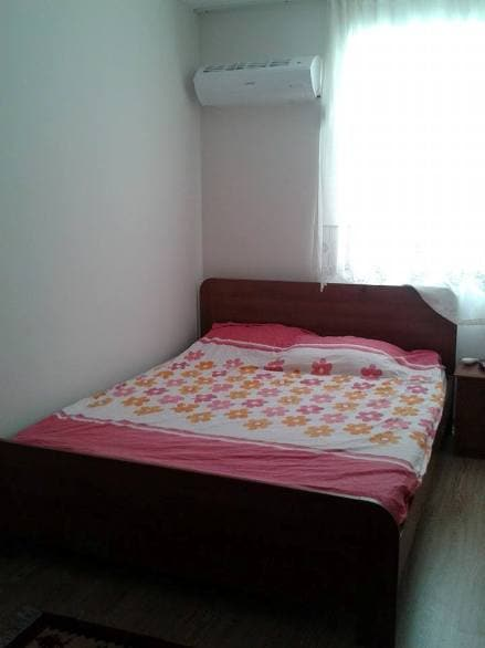 Furnished room, private bathroom