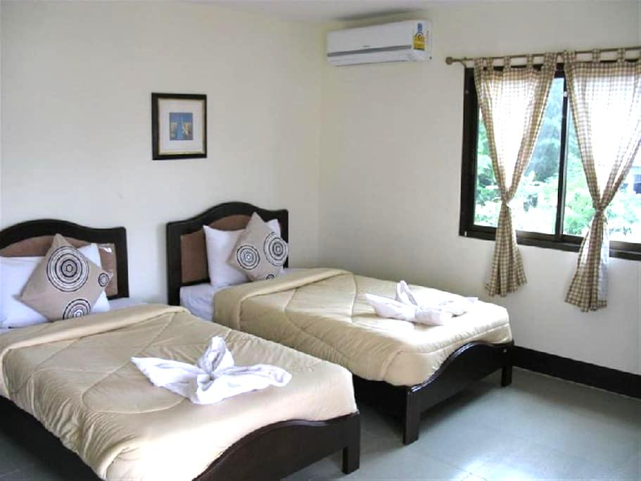 Double Room with Air-Condition - TH - Bed & Breakfast