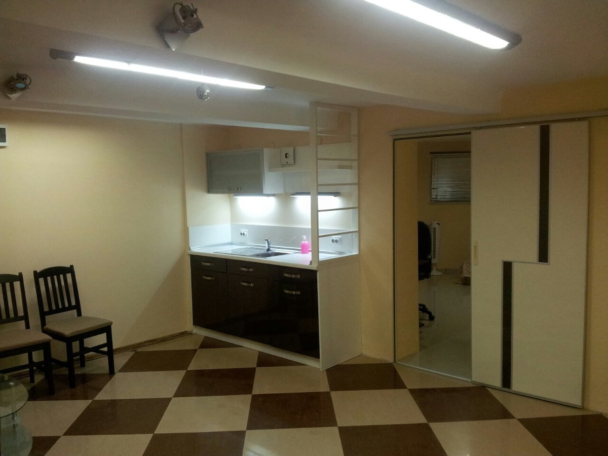 Spacious flat in central location