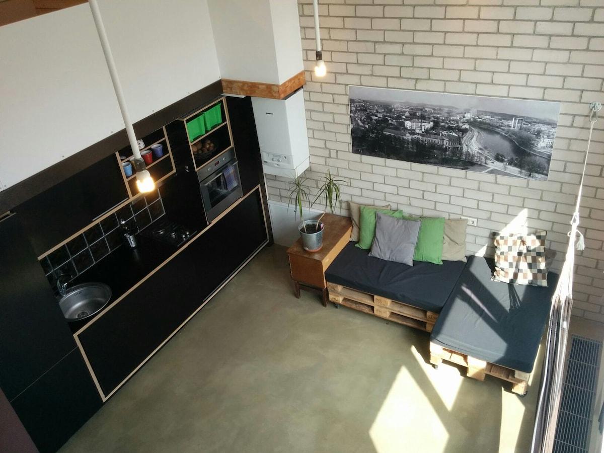 Bright Loft Studio