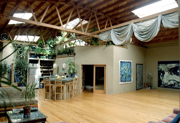 Our loft is an exceptionally comfortable and creative place to stay in L.A.  We're right in the center of the action: Downtown, Hollywood, and the Beach Cities.  Here's the main kitchen and social area.