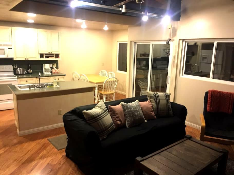 Cozy, Comfortable and Parking! - Mammoth Lakes - Wohnung