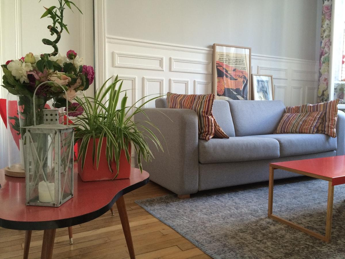 Sunny and cosy apartment in Paris!