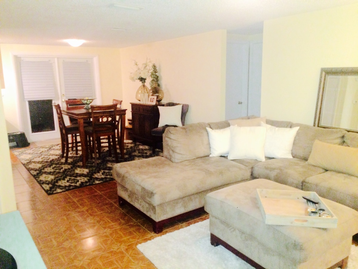 Private room charming South Tampa