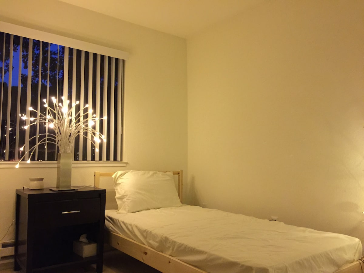 Cozy bedroom for 1 person
