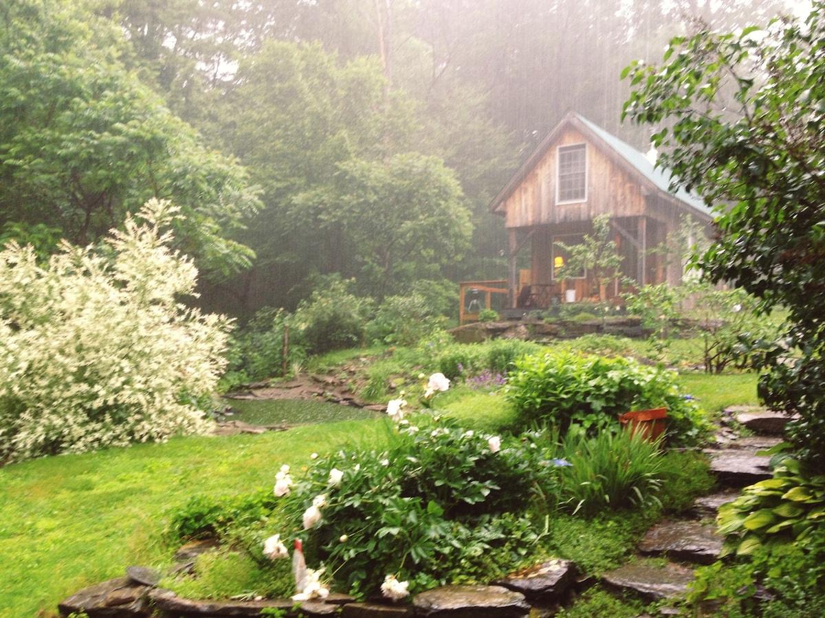 Mountainside Retreat Cabin in VT