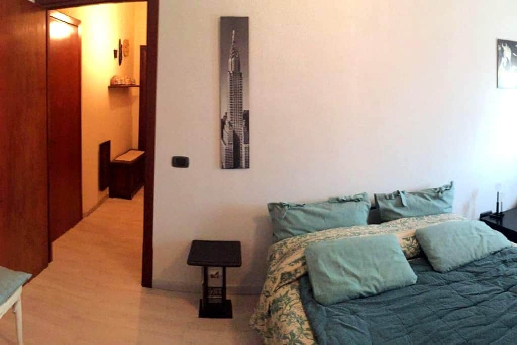 "Bed And Breakfast ""La Nave"" Ostia Antica - airport - Ostia"