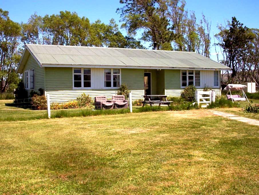 Little House on the Prairie - Oturehua