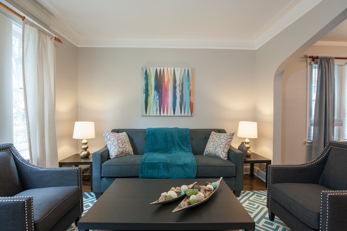 Lovely 2BR Condo in Chicago