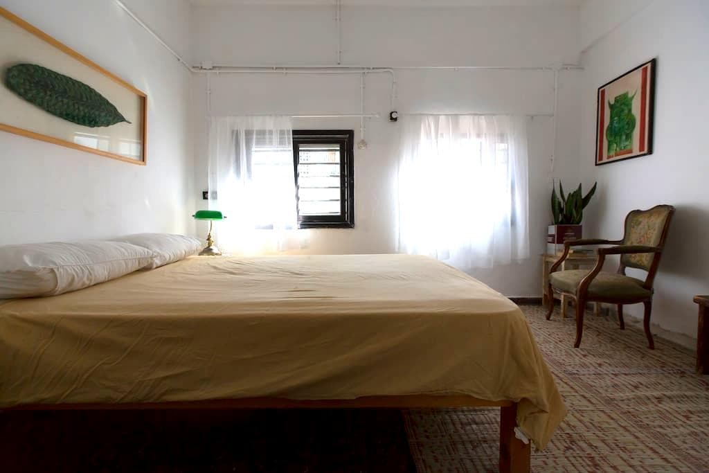 Alma Beach Guesthouse - Private Room E13 - Tel Aviv-Yafo