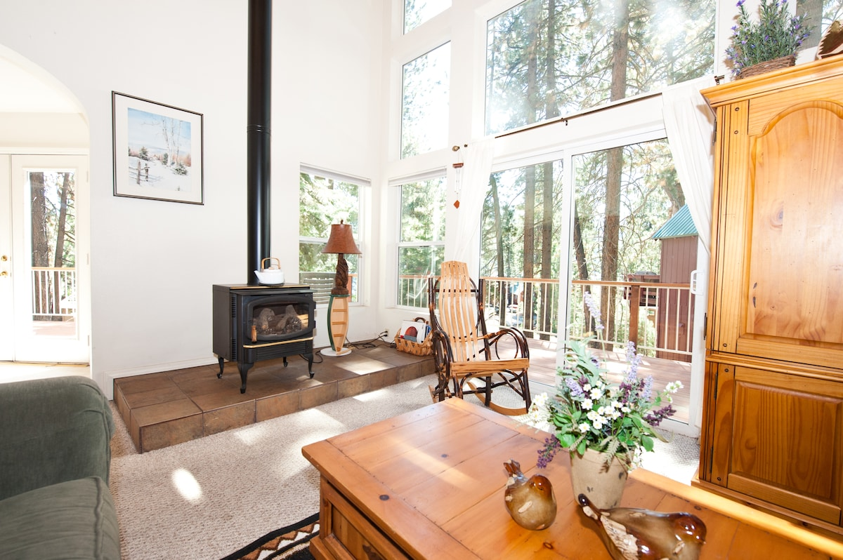 Charming Donner Lake Vacation Home