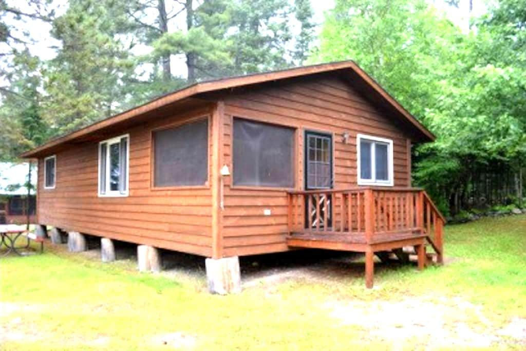 Lakeside, Family Friendly Cabin - Ely
