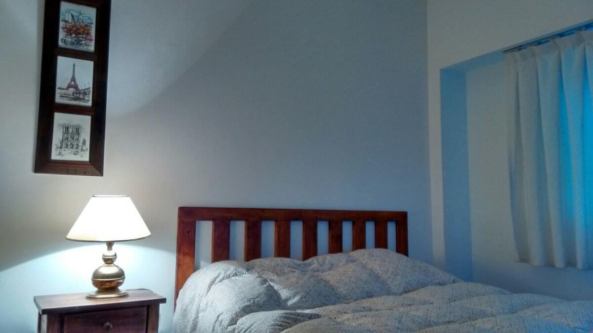 Bed: 1.40m*1.90m