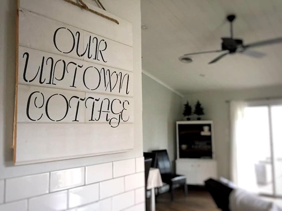 Uptown Cottage - Frederick - Casa