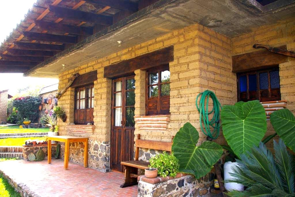 Pequeño chalet - Tlayacapan - House