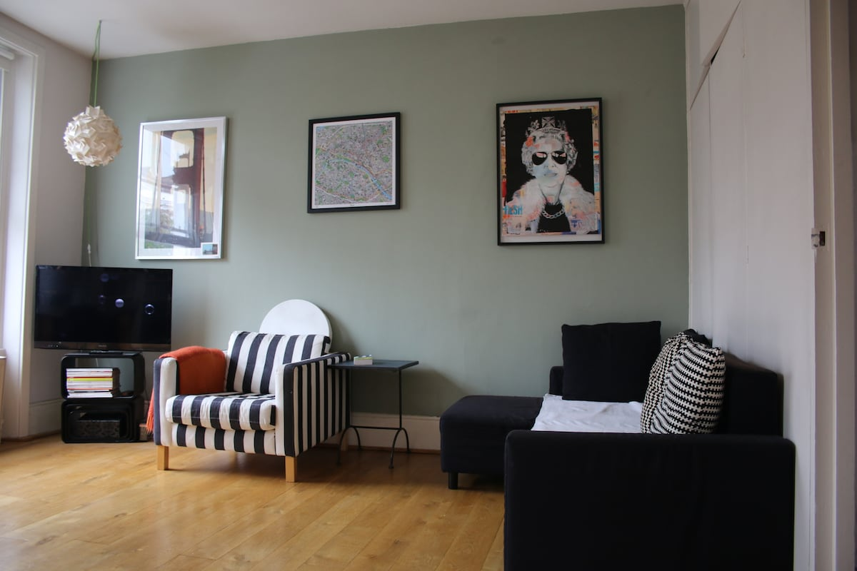 Art Deco apartment in Notting Hill