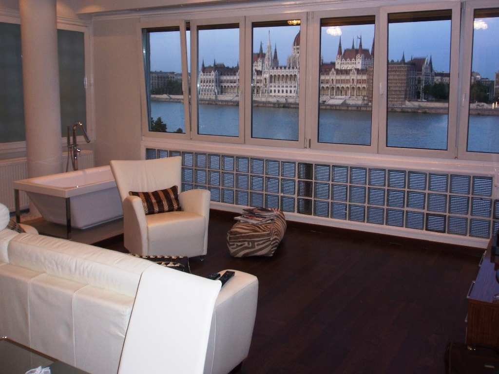 Gateway Apartments.V.Danube View.