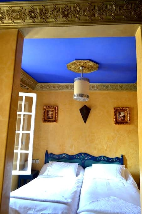 Hôtel Sahara :Traditionnel CHAMBRE Twin (2 Adult ) - Essaouira - Bed & Breakfast