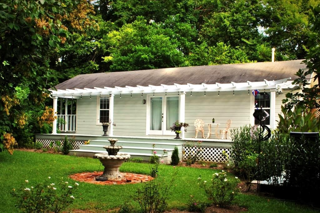 Tupelo Cottage on the bluff... Walk to everything - Natchez - Ev