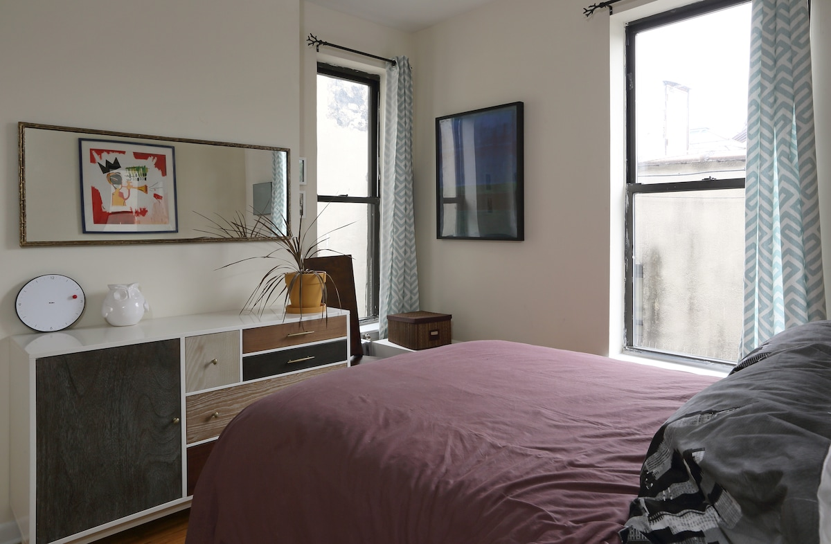 Cozy one bdrm apt, Lower East Side