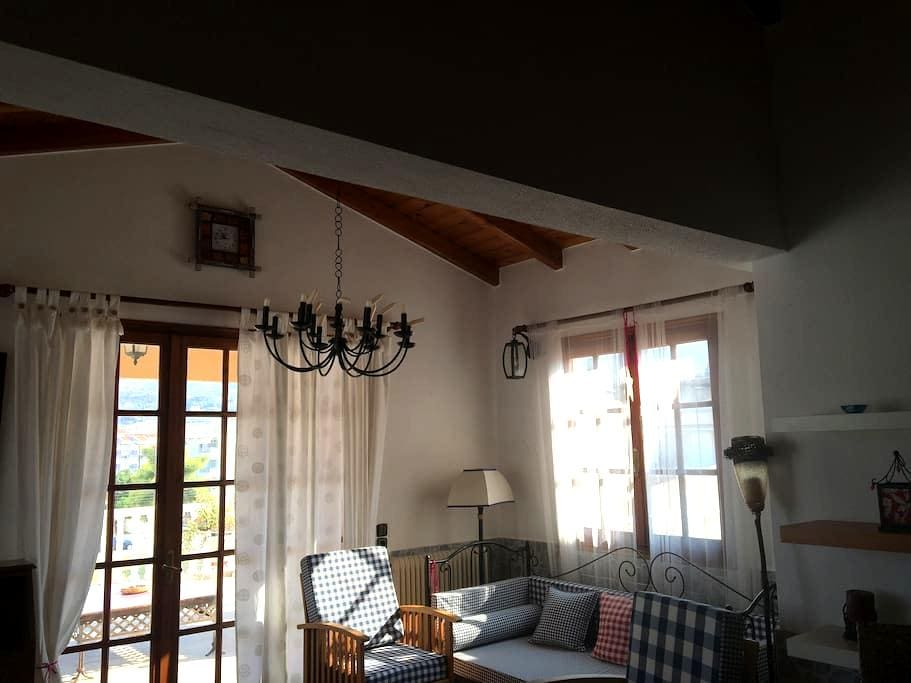 Lazaris Estate-cozy & spacious attick by the beach - Akrata - Andere