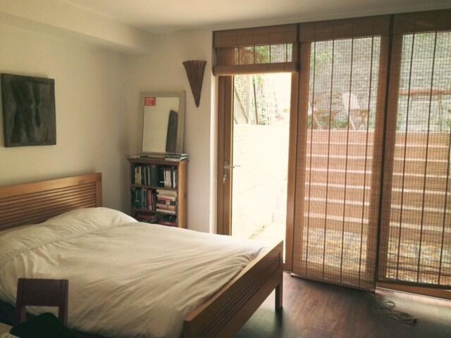 Quiet garden room in Islington