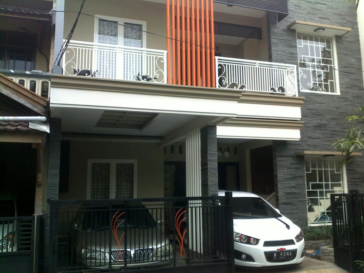Guest House in Strategic Place