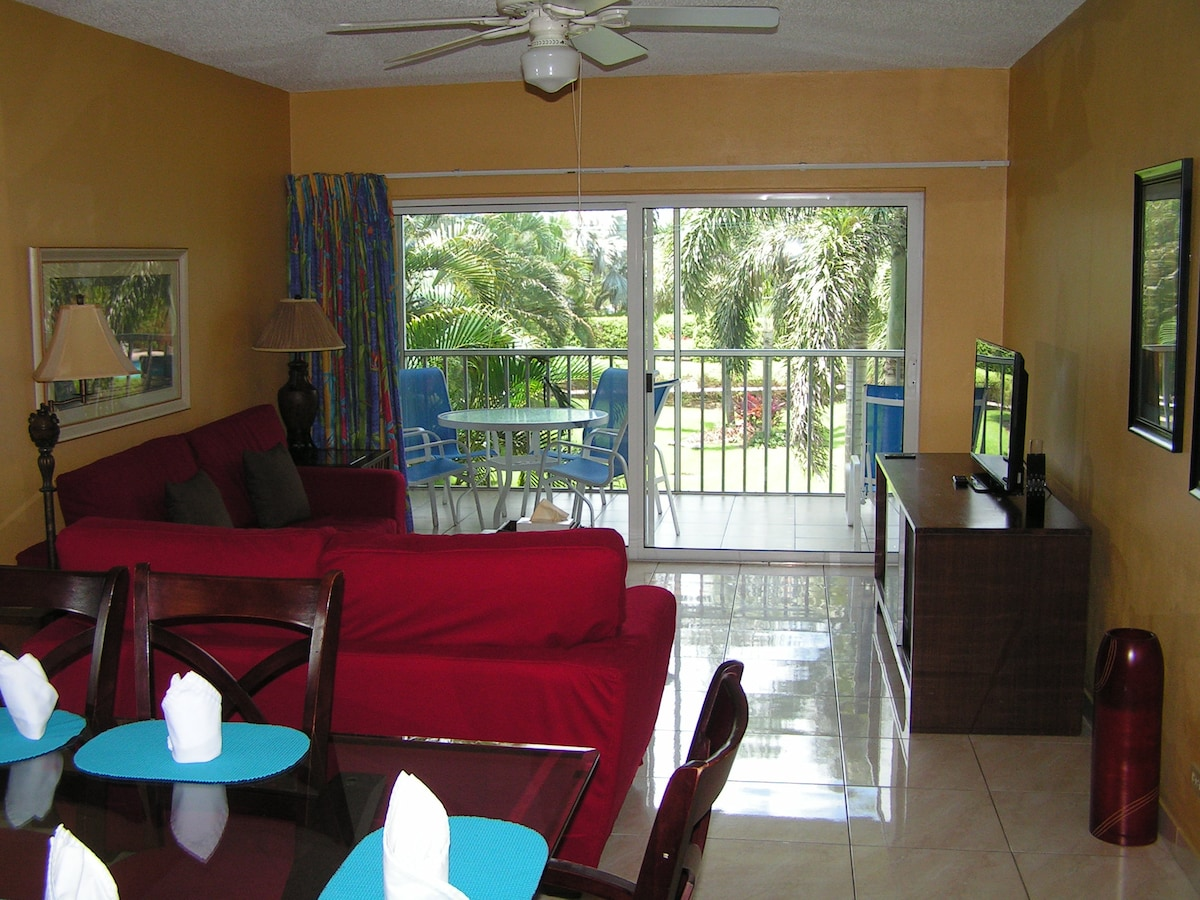 2 Bedroom Condo On 7 Mile Beach