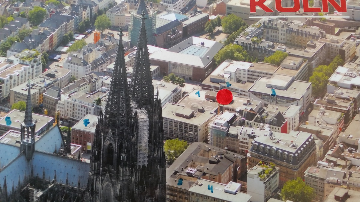 Very cheap at Kölner Dom!