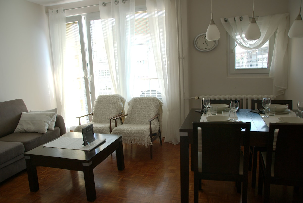 Sunny suite in The Old Town