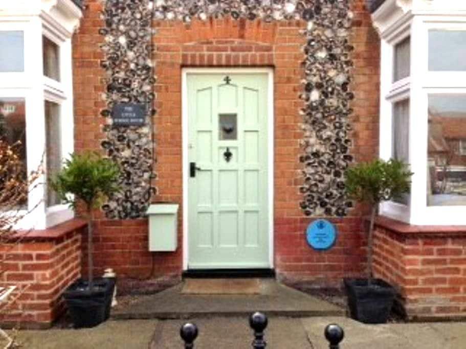 The Little School House Sheringham - Sleeps Six - Sheringham - Talo
