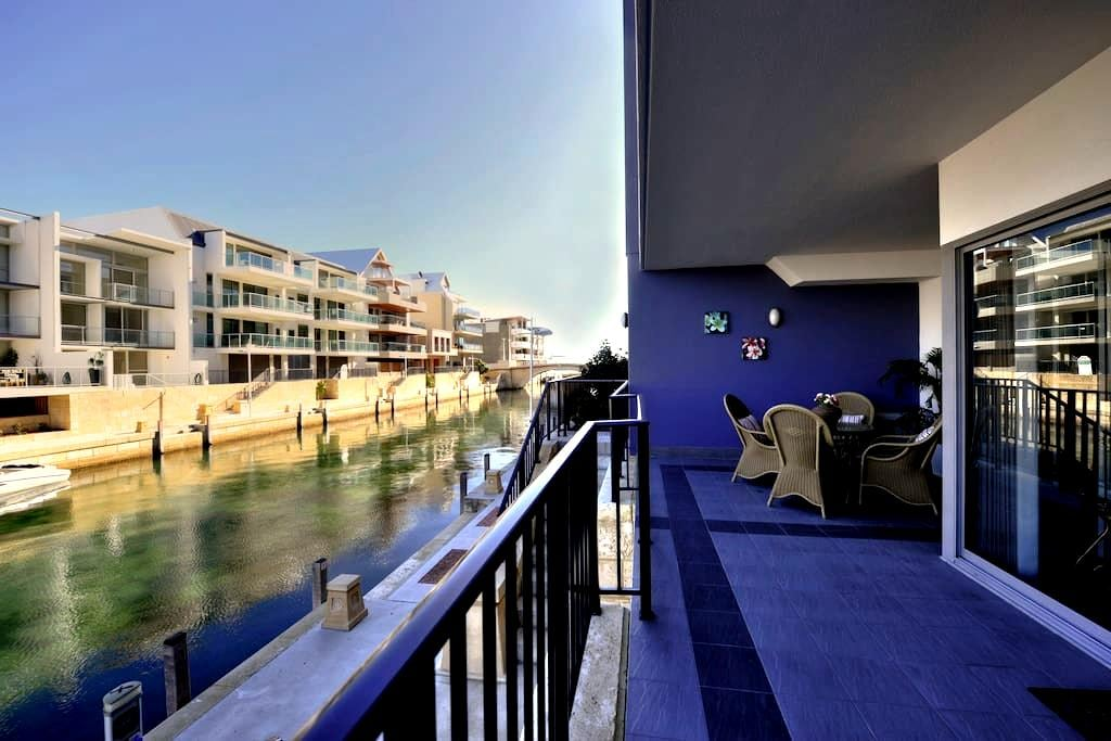 1 bedroom apartment on the Canal _5 *SPECIAL DEAL - Mandurah - Leilighet