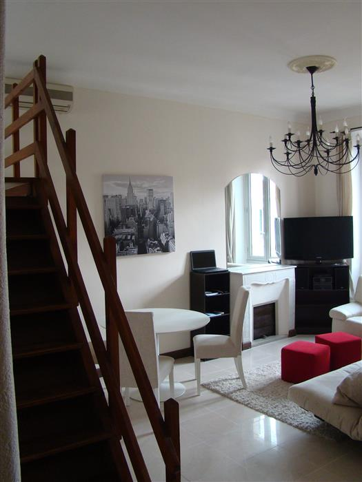 Stylish flat in central Cannes