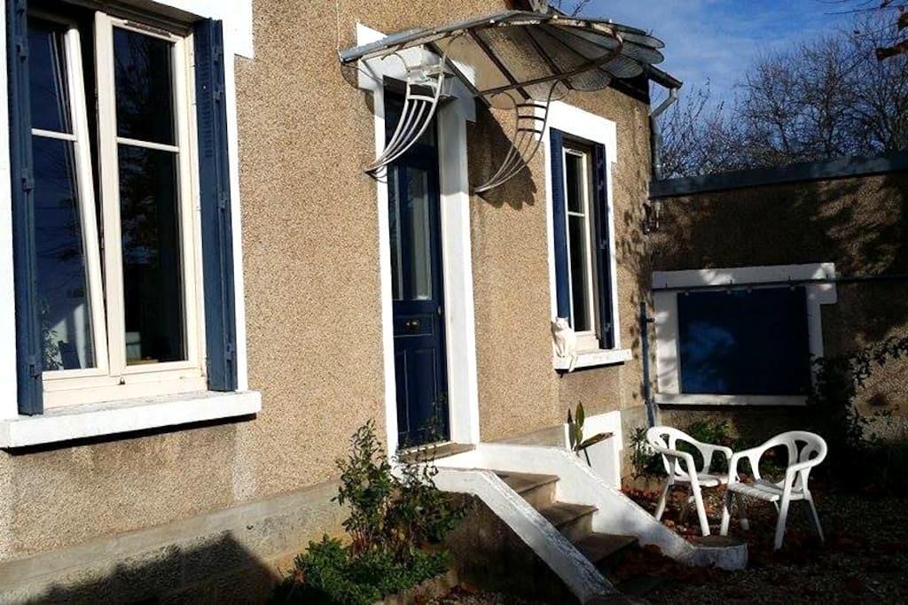 Jolie maison Poitevine - ปัวติเอร์ส - บ้าน