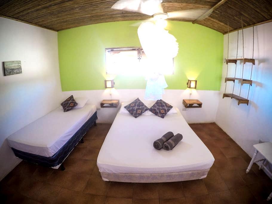 Triple room in the best location! - Las Peñitas - Casa