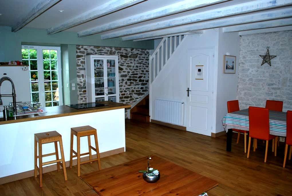 Maison typique proche Dinard, Dinan et St Malo - Plouër-sur-Rance - Ev